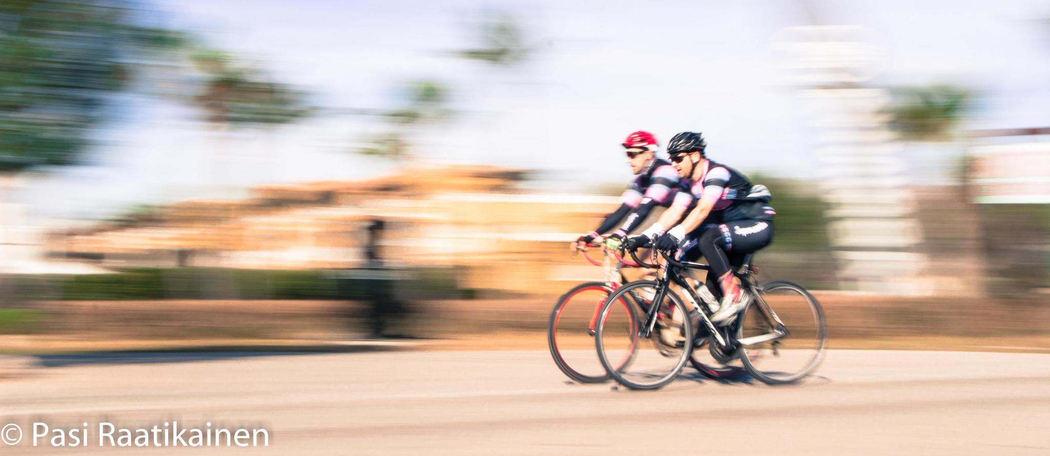 Heltrin vauhdikasta pyöräilyä